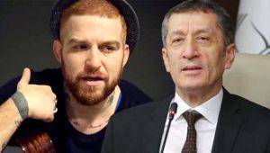 Şarkıcı Gökhan Özoğuz, İzmir Marşı polemiğinde Ziya Selçuk'u eleştirdi