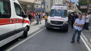 Ümraniye'de minibüsle otomobil çarpıştı