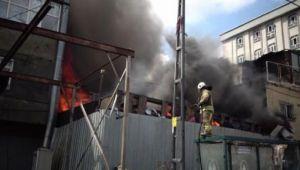 Araç parçalarının bulunduğu tamirhanede yangın