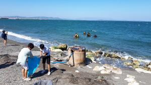 Denizlerden toplanan çöpler heykel olacak