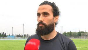 Hem futbolcu, hem kaptan, hem de teknik direktör!