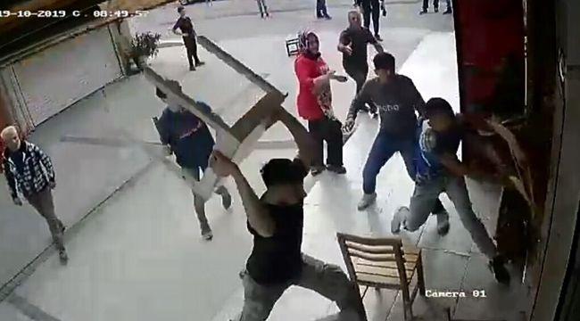İZMİR'DE DEHŞET ANLARI: KARI-KOCANIN İŞ YERİNE BÖYLE SALDIRDILAR
