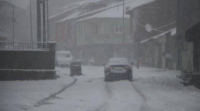 10 köy yolu ulaşıma kapandı