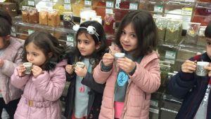 Minikler, Türk kahvesi kültürünü öğrendi