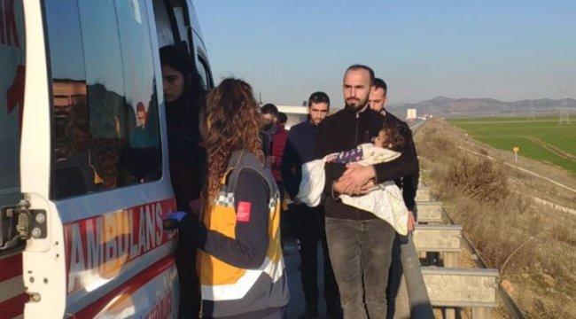 Çocuğunu hastaneye götürürken kaza yaptı: 1 yaralı