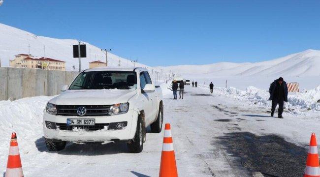 Van-Çatak karayolu çığ tehlikesi nedeniyle kapalı
