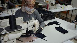 Tekstil firmasında yıkanabilir maske üretimi
