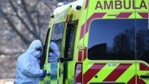 İngiltere'de son 24 saatte koronavirüsten 828 ölüm