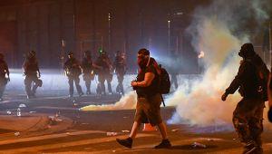 ABD'de 25 kentte sokağa çıkma yasağı ilan edildi
