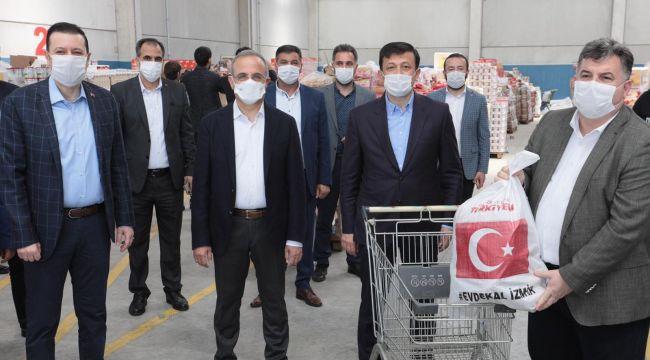 AK PARTİ İZMİR'DEN, REKOR YARDIM KOLİSİ