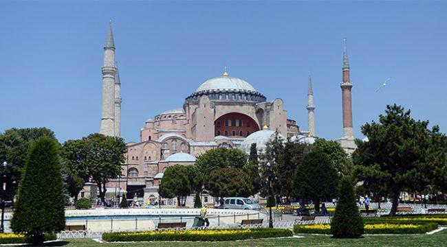 'AYASOFYA'DA FETİH SURESİ OKUNACAK'