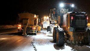 Erzincan'da kar ve tipi etkili oluyor, 1 kişi donarak öldü