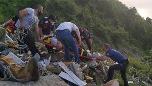 Fotoğraf çekerken uçuruma yuvarlanan genç kız 2 saatte kurtarıldı