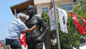 KARŞIYAKA'NIN SİMGE HEYKELLERİ BAKIMDA