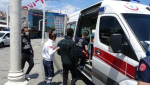 Taksim'de polisi görünce fenalaştı