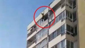 İzmir'de intihar girişimi !