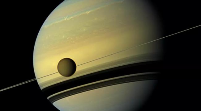 Titan, Satürn'den sanılandan 100 kat daha hızla uzaklaşıyor