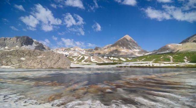Tunceli dağlarındaki buzul gölleri görenleri hayran bırakıyor