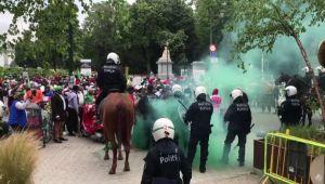 Fransa Cumhurbaşkanı Macron, Brüksel'de protesto edildi