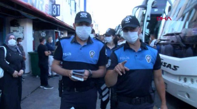 Polis, otogarlarda bilgilendirici broşürler dağıttı