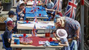 İngiltere'de okulların açılması ikinci dalgaya neden olabilir
