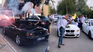 İstanbul'da silahlı, çakarlı ve kuralsız düğün konvoyu