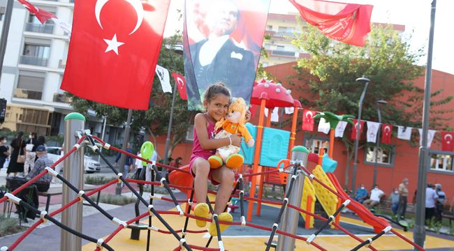 KARŞIYAKA'DA 'ALİ ÇELENAY PARKI' HİZMETE AÇILDI