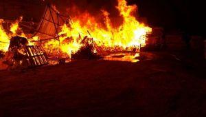 Kocaeli'de palet fabrikasında çıkan yangın söndürüldü