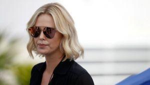 Charlize Theron evini rekor fiyata satışa çıkardı