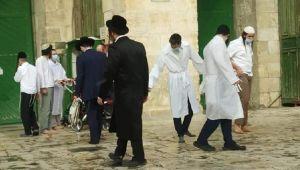 Yahudiler Mescid-i Aksa'ya baskın düzenledi