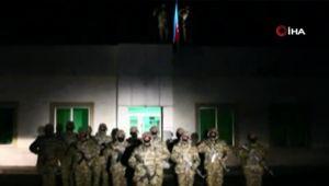 Azerbaycan'ın Laçin şehrine 28 yıl sonra bayrak dikildi