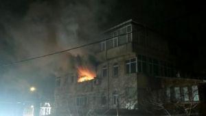 Elektrikli battaniyeden çıkan yangın apartmanı ayağa kaldırdı