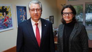 Egeli akademisyen Avrupa'daki en etkili 100 kadın liderden biri oldu