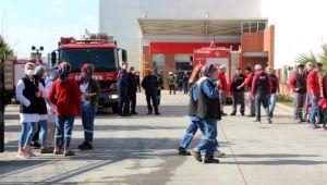 Kuru yemiş fabrikasındaki yangında işçiler dumandan etkilendi