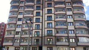 O ilde 8 katlı apartman karantina altına alındı