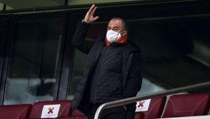 Galatasaray'da Fatih Terim ideal 11'ini kaybetti, şansını tüketti