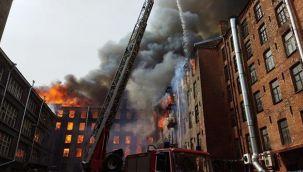 Rusya'da tarihi fabrikada yangın