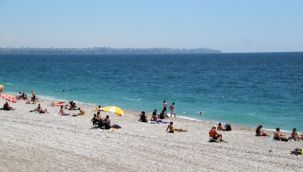 Antalya sahillerinde maske kuralı unutuldu