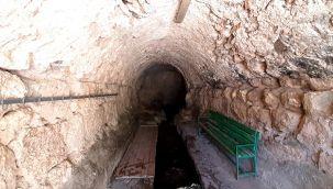 Tarihi caminin altından yüzyıllardır su akıyor