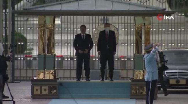 Erdoğan, Kırgızistan Cumhurbaşkanı Caparov'u resmi törenle karşıladı