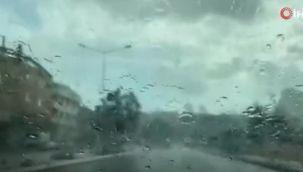 Anadolu Yakası'nda sağanak yağış başladı