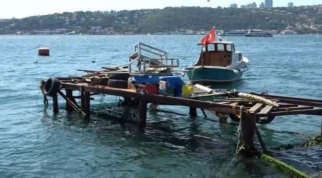 İstanbul Boğazı'nda savaş gemisi paniği!