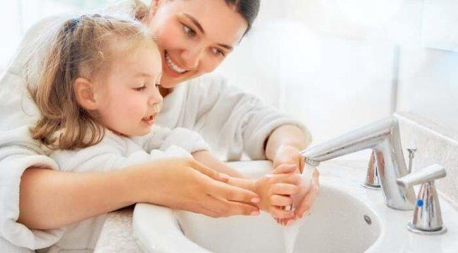 Yazın çocuklarda görülen ishale karşı el temizliğine dikkat
