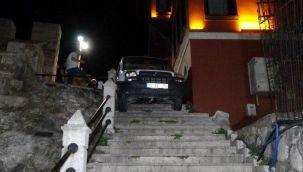 Bursa'da eşi benzeri görülmemiş olay! Merdivenlere sıkıştı