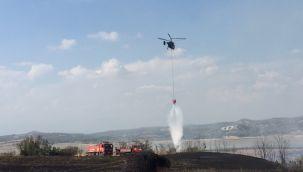 Adana'da yangın çıkan yere 3 helikopter birden müdahale etti