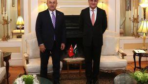 Bakan Çavuşoğlu, Pakistan Dışişleri Bakanı Qureshi ile görüştü