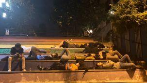 Üniversite öğrencileri, sokakta kaldı
