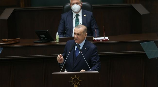 """Cumhurbaşkanı Recep Tayyip Erdoğan, """"Anayasanın ilk dört maddesini değiştirme fikri CHP'nin ve dolayısıyla tüm CHP'lilerin iradesi midir, yoksa Kılıçdaroğlu'nun kişisel fikri midir?"""