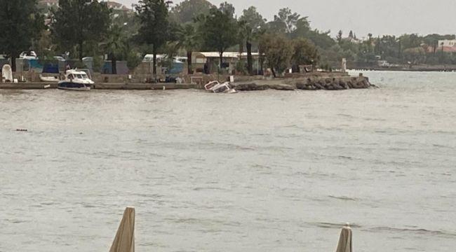 Datça'da fırtınaya dayanamayan bir tekne battı