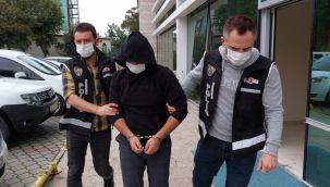 'Hukuk fakültesi bitirip savcı oldum' diye ailesini kandıran genç sahte savcı kimliği kullanınca tutuklandı